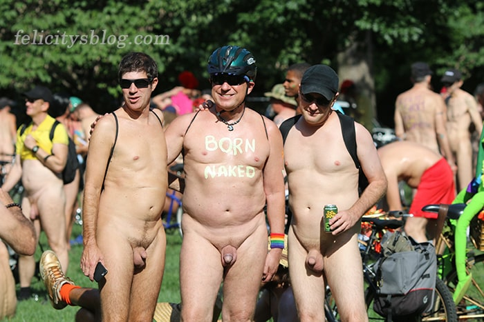 How to meet nudist friends