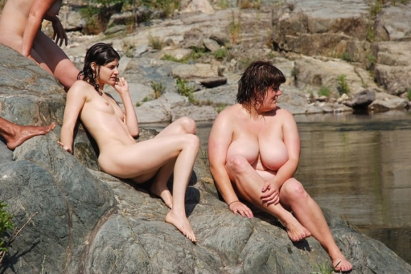 How to meet local nudists and naturists