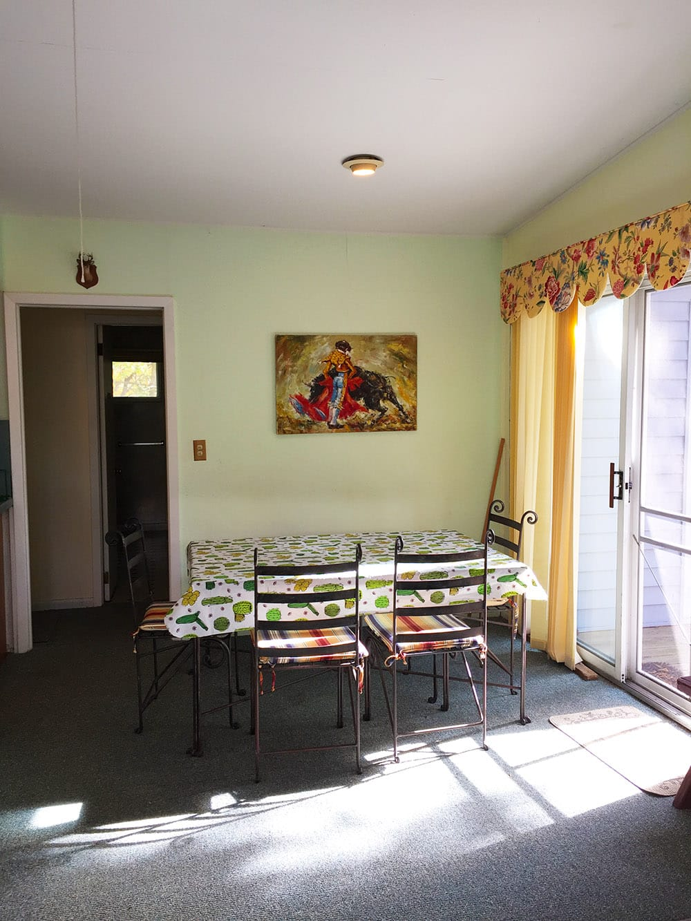 Nudist Vacation Rental – Dining Area