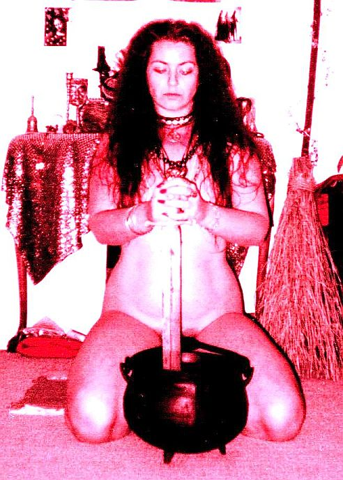 skyclad witch nudity naked paganism wicca tradition felicitys blog
